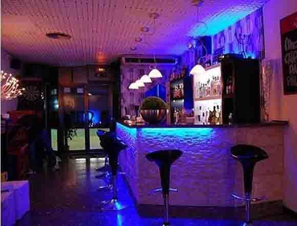 Locales para fiestas en barcelona for Vaciado de locales en barcelona